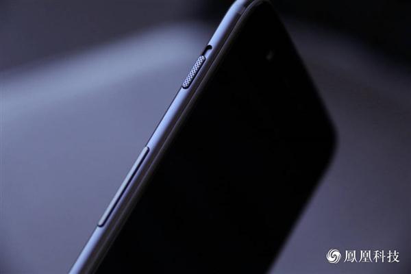 网友大量吐槽一加5像iPhone 7让刘作虎很伤心