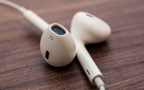 白色耳机变脏怎么办 有巧妙清洁方法