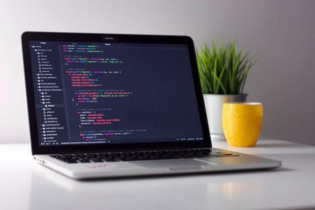 """跨过编程入门门槛,从写一首""""代码诗""""开始"""