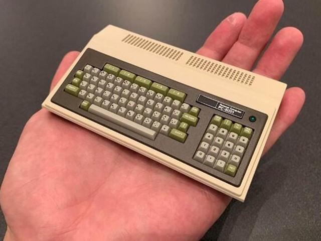 日本第一台PC40年后首复刻 只有手掌大小