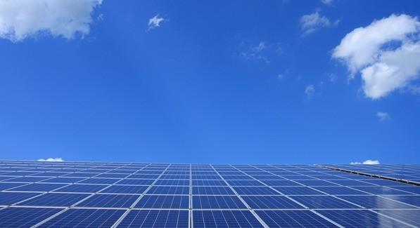 """""""反向太阳能电池"""":可以从黑暗中产生电光源"""
