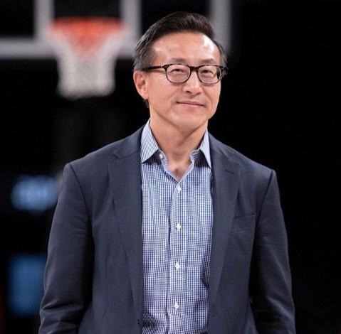 阿里联合创始人蔡崇信正式成为NBA篮网队老板